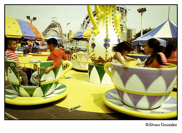 Atracción para niños en Coney Island, New York