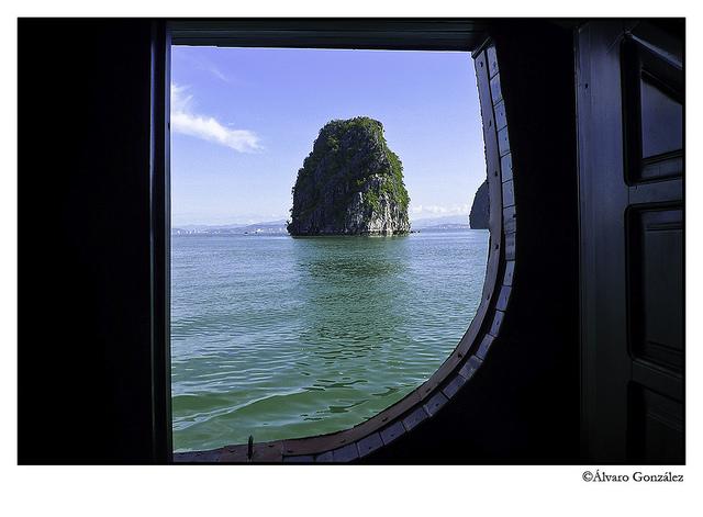 Formación kárstica en la Bahía de Halong, Vietnam