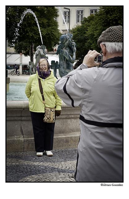 Personas haciendose fotos en Lisboa, Portugal
