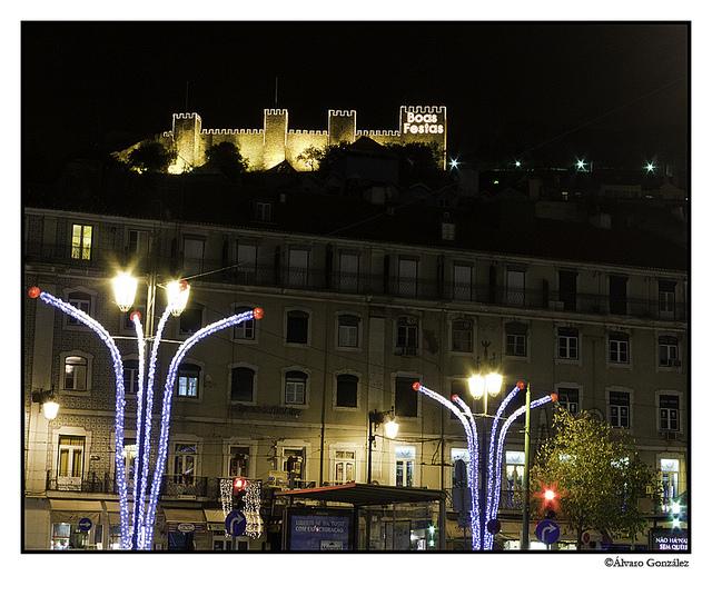 Vistas desde la plaza de Rossio en Lisboa, Portugal en Navidad