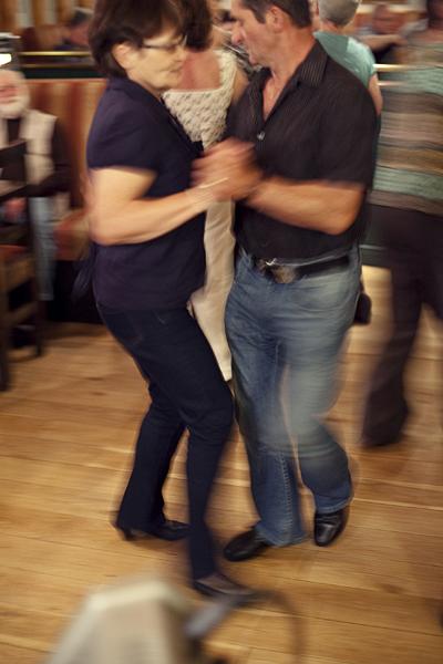 Pub Irlandés, bailando en un pub en Irlanda