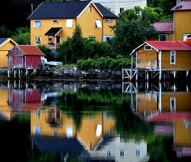 Casas de colores en Trondheim, Noruega.