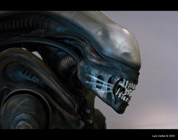 Detalle de Alien en el Museo de HR Griger en Gruyéres, Suiza