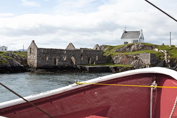 En el barco en ruta hacia Arranmore Island, Irlanda