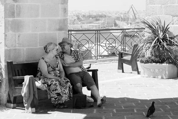 Descansando en los jardines Upper Barakka, Malta
