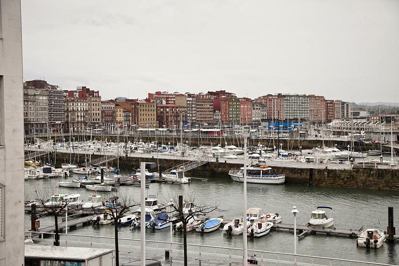 Puerto deportivo de gijón, Asturias