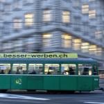 Tranvías en el centro de Basilea, Suiza