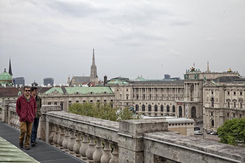Por los tejados del Museo de Historia Natural de Viena, Austria