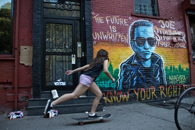 Mural Joe Strummer, East Village, Ruta Punk por Nueva York