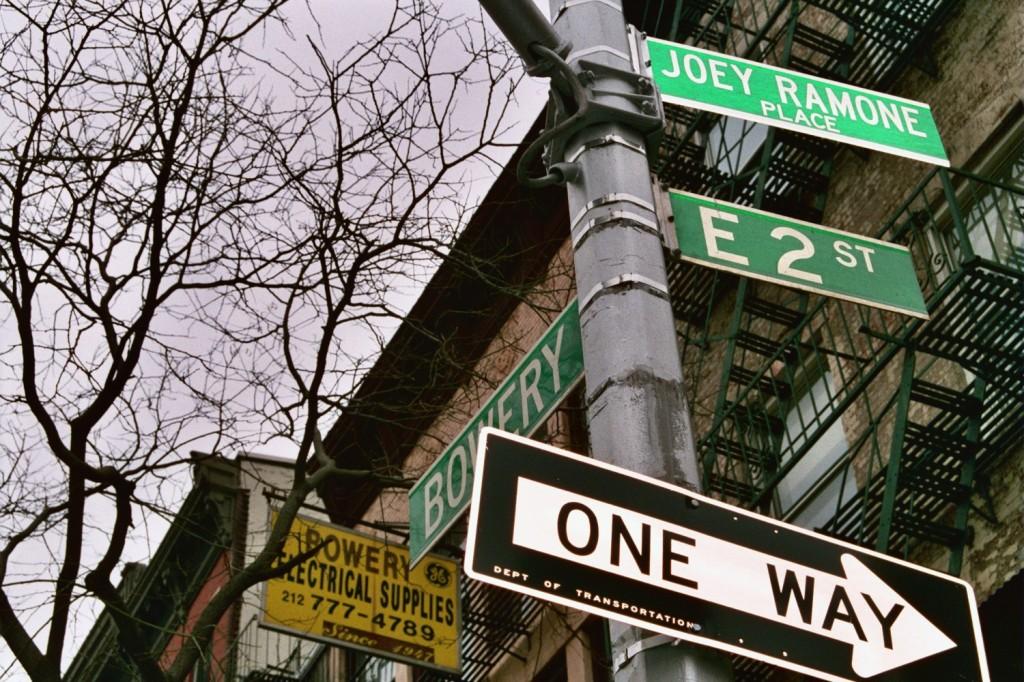 joey Ramone place, plaza joey ramone, ruta punk por nueva york