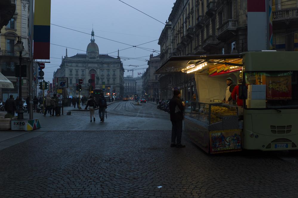 Anochecer, Milán