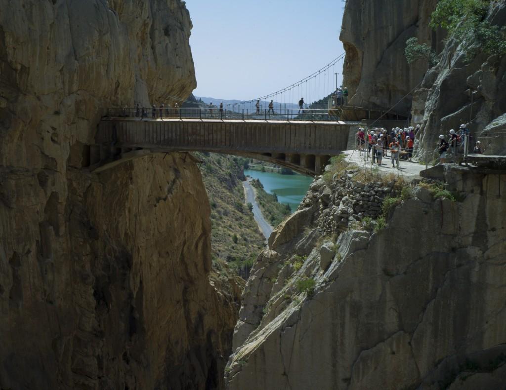 El puente hay que cruzarlo sí o sí, no hay vuelta atrás