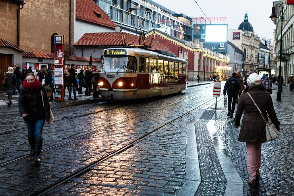 tranvía en Praga, calles de Praga